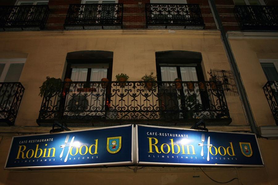 sintecho-madrid-robin-hood-restaurante-body-image-1481184641